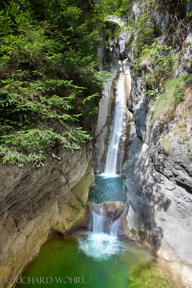 Unterer Wasserfall am Tatzelwurm.